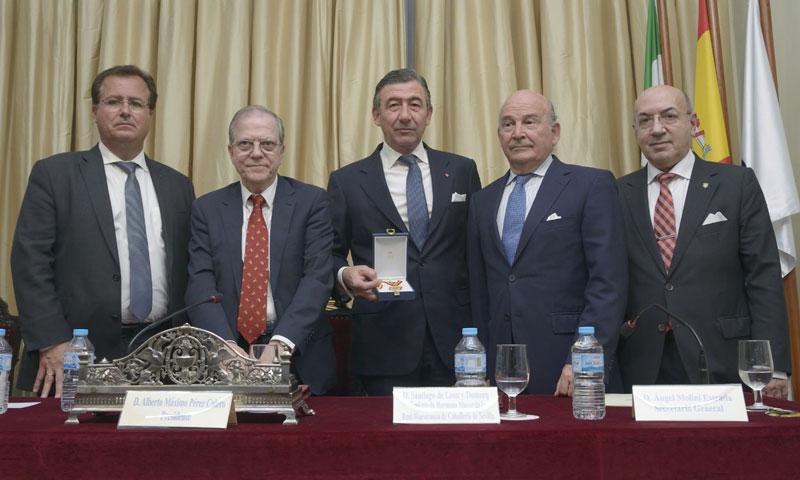 La Real Maestranza de Caballería de Sevilla, distinguida con la Medalla de Oro del Ateneo de Sevilla