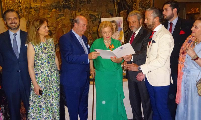 Mayte Spínola abre las puertas de su residencia en una noche llena de arte y cultura
