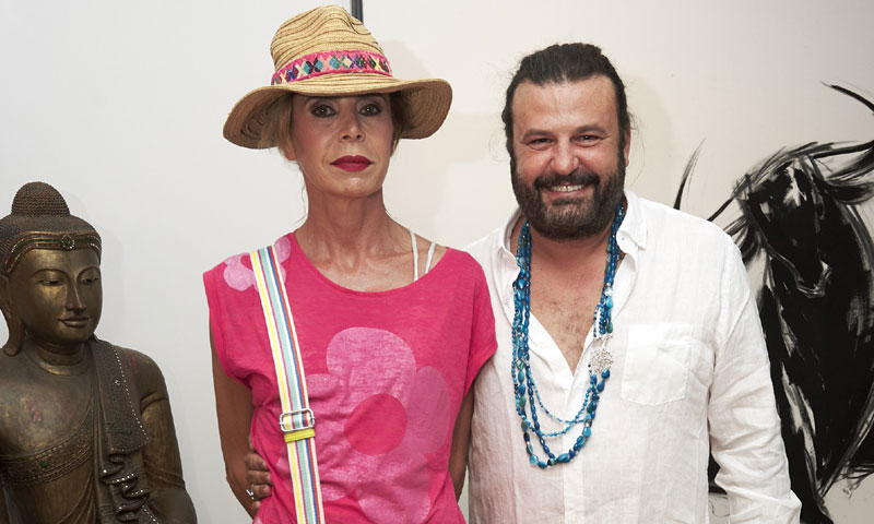 Adrien Brody y Ágatha Ruiz de la Prada arropan al artista Domingo Zapata en su esperado debut