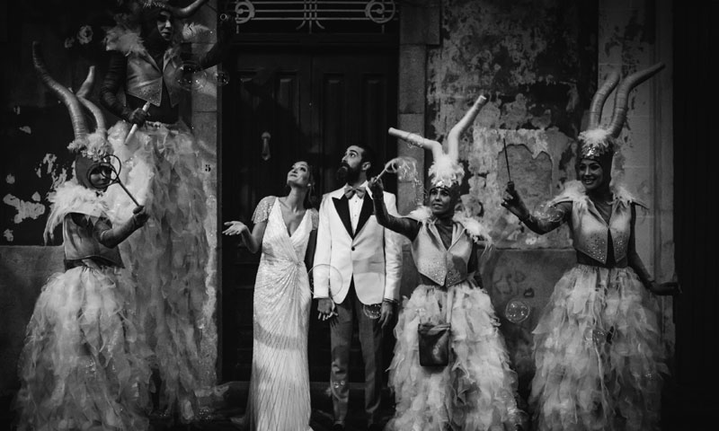 La mágica boda de Marcos y Eva en la estación de tren de Lugo