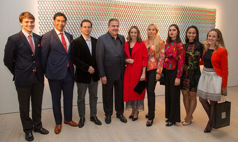 Miriam Ungría y su hijo Boris, invitados de excepción a la inauguración de la exposición 'Penumbra'