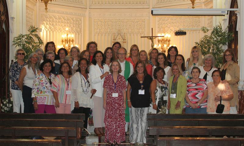 El primer encuentro de las antiguas alumnas del colegio Sagrado Corazón de El Puerto de Santa María