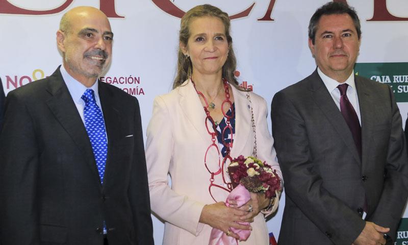 La infanta Elena inaugura el Salón Internacional del Caballo en Sevilla