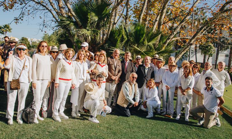 Numerosas personalidades de la sociedad marbellí se dan cita en dos torneos deportivos muy solidarios