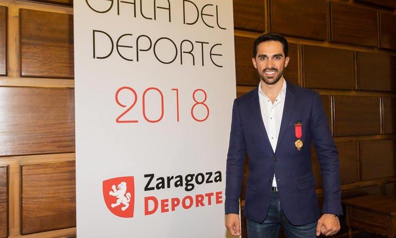 Alberto Contador recibe la 'Medalla al Mérito deportivo Ciudad de Zaragoza'