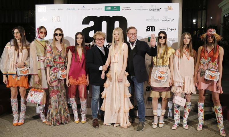 Victorio y Lucchino inauguran 'Andalucía de moda', rodeados de amigos