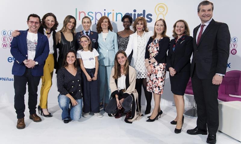 María Pombo se une a la campaña 'GirlsEverywhere' para animar e inspirar a las niñas de nuestro país