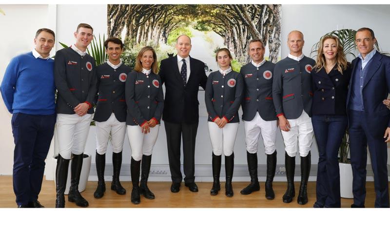El príncipe Alberto recibe al equipo de hípica de ¡HOLA! en Mónaco