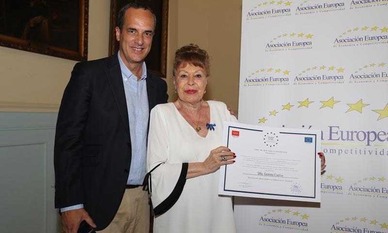 Gemma Cuervo recibe la 'Medalla Europea al Mérito en el trabajo'
