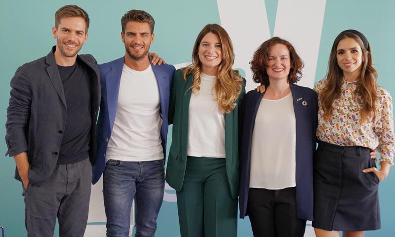 Elena Furiase, Marc Clotet y Maxi Iglesias se convierten en artistas por una buena causa