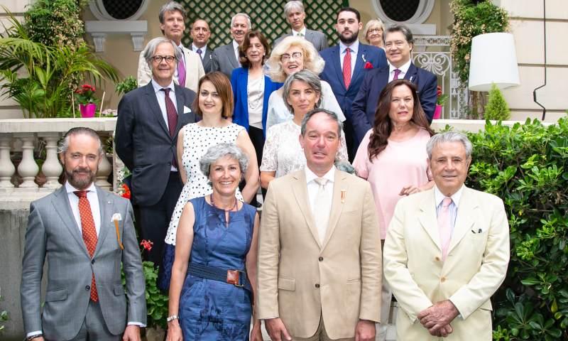 El embajador belga abre las puertas de su residencia a nobles y diplomáticos
