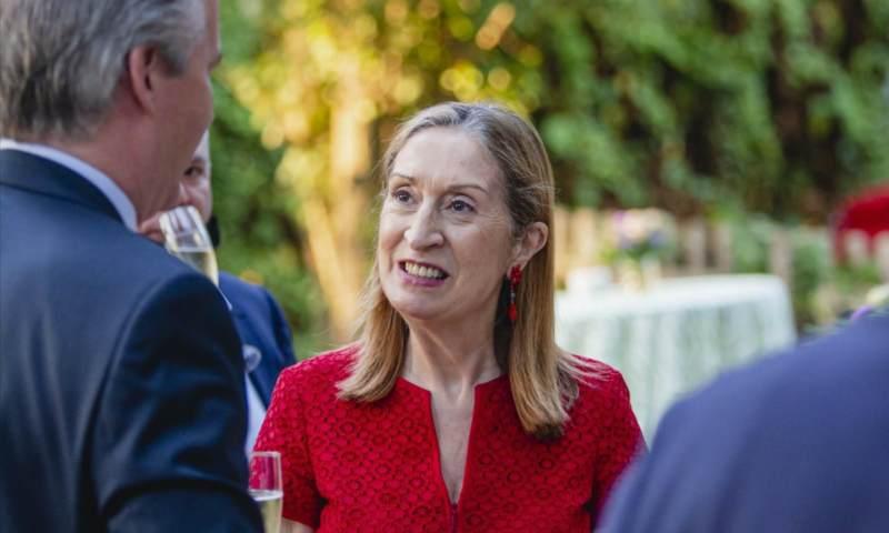 Ana Pastor asiste a una cita con el mundo de la empresa