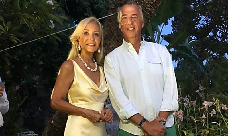 Carmen Lomana celebra su cumpleaños, rodeada de amigos, en Marbella