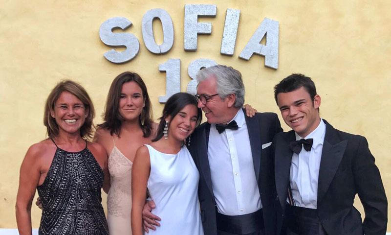 Puesta de largo de Sofía Fernández-Álava de Zunzunegui