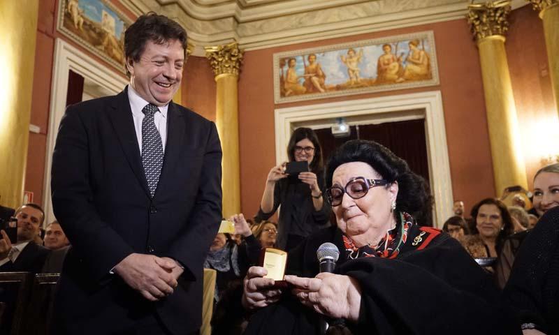 El Real Círculo Artistico de Barcelona entrega la Medalla de Oro a Montserrat Caballé