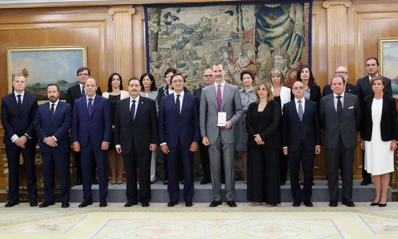El Rey recibe a la Junta de Gobierno del Ilustre Colegio de Procuradores de Madrid