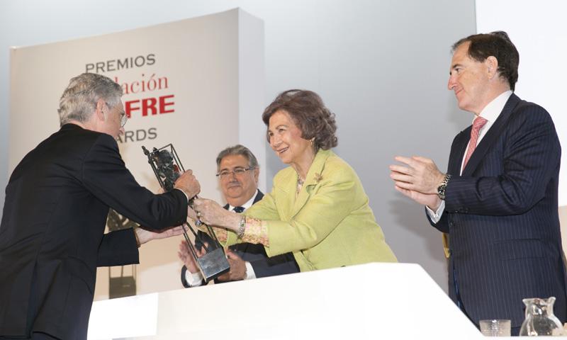 La reina Sofía hace entrega de los premios Fundación MAPFRE