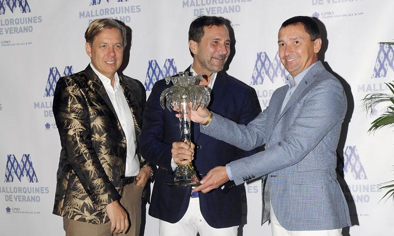 James Costos, muy orgulloso al recibir el premio 'Mallorquines de Verano'