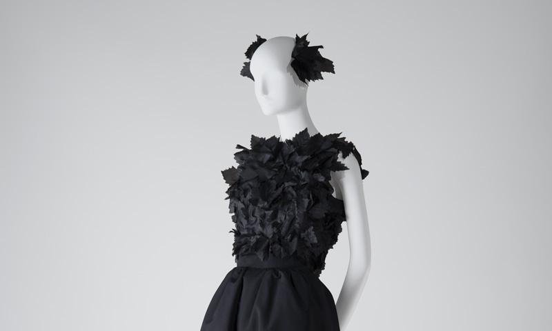 El Museo Cristóbal Balenciaga presenta la exposición 'Rachel L. Mellon Collection'