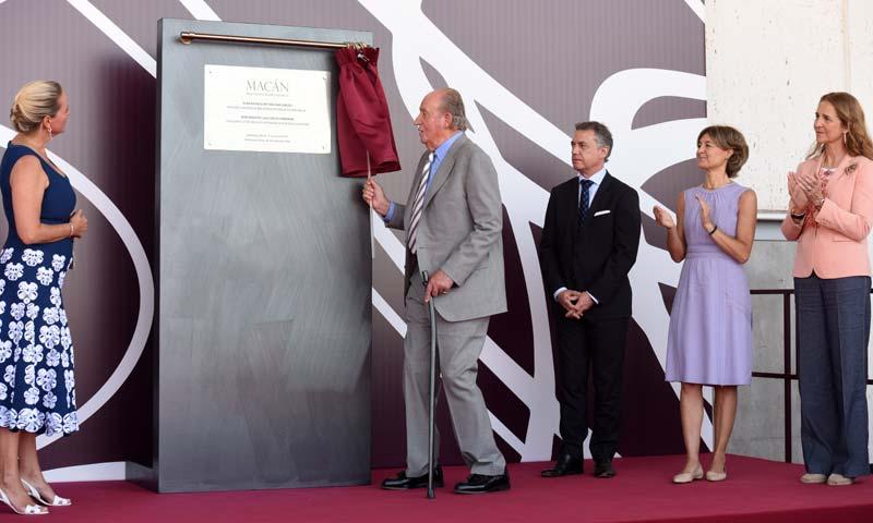El rey Juan Carlos y la Infanta Elena inauguran la bodega Rothschild–Vega Sicilia