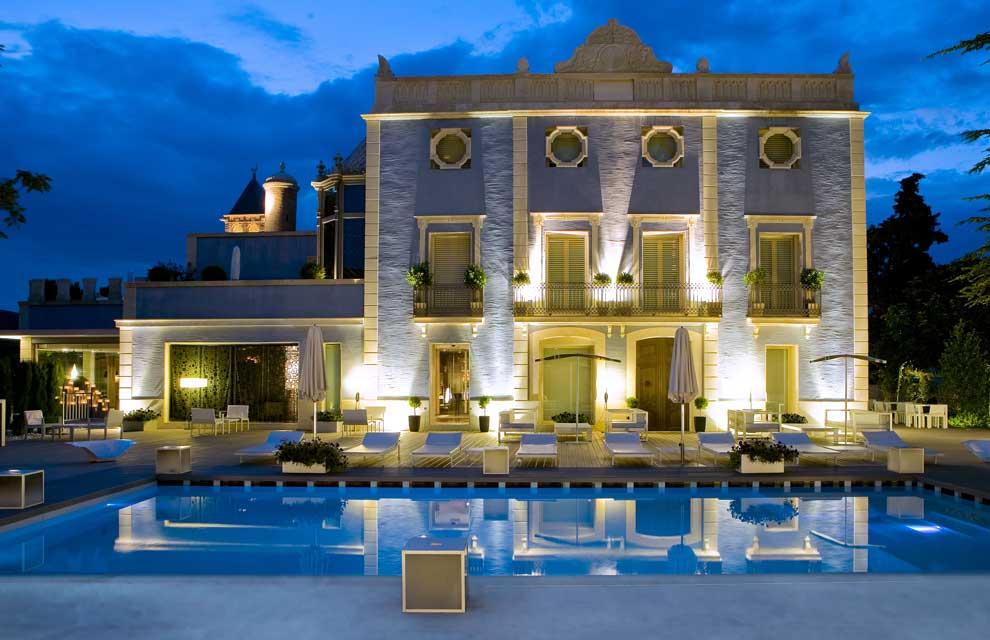 Hoteles de famosos for Fachadas de hoteles de lujo