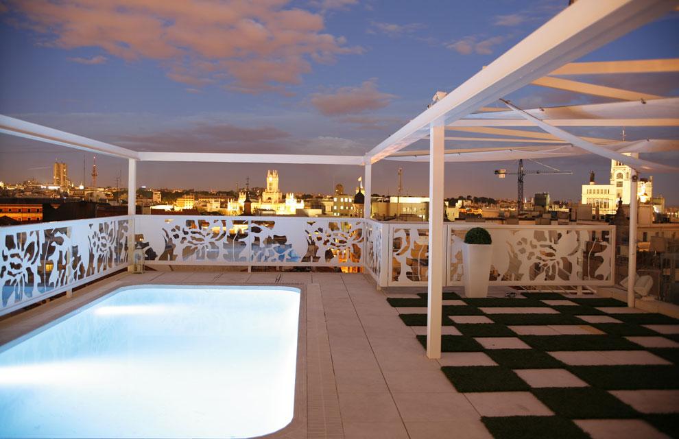 Hoteles de famosos for Room mate oscar piscina