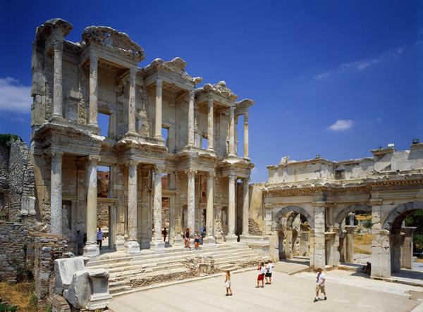 Éfeso, un inmenso puzzle al aire libre
