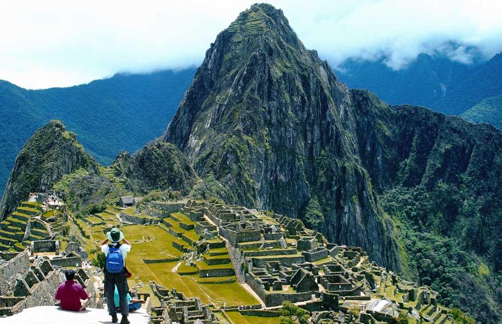 a_Machu-Picchu-1