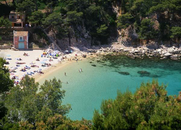 Los secretos mejor guardados de la costa brava for Piscina natural begur