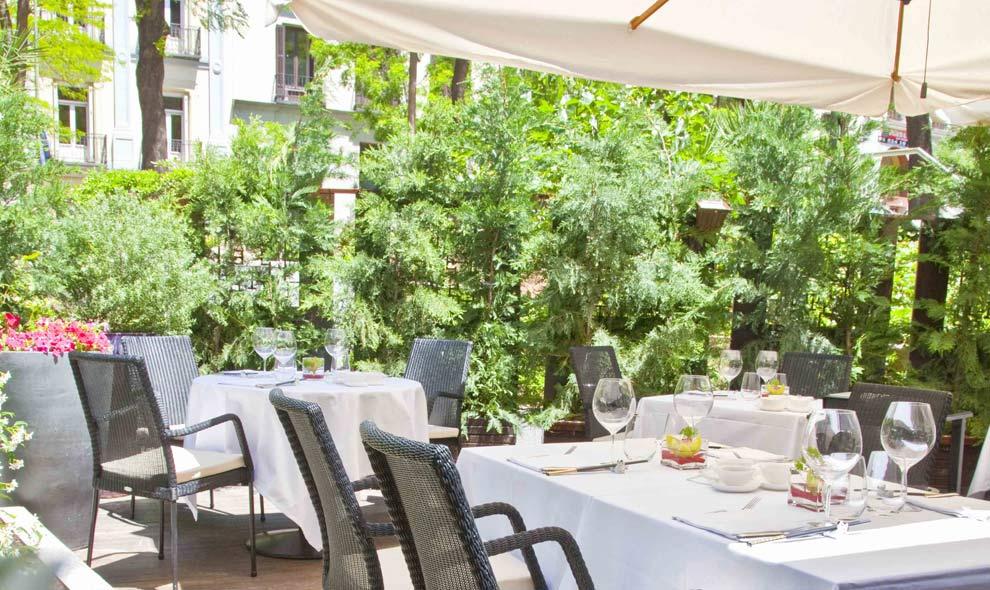 Estas son las terrazas que arrasan este verano for Restaurantes con terraza madrid