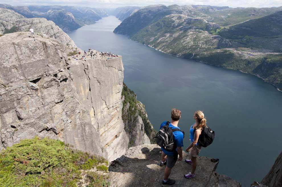 Desafía al vértigo en los fiordos de Noruega