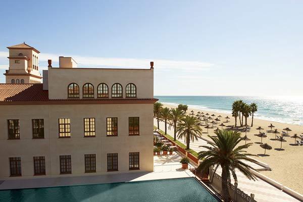 Escapada cultural junto al mar for Hoteles junto al mar