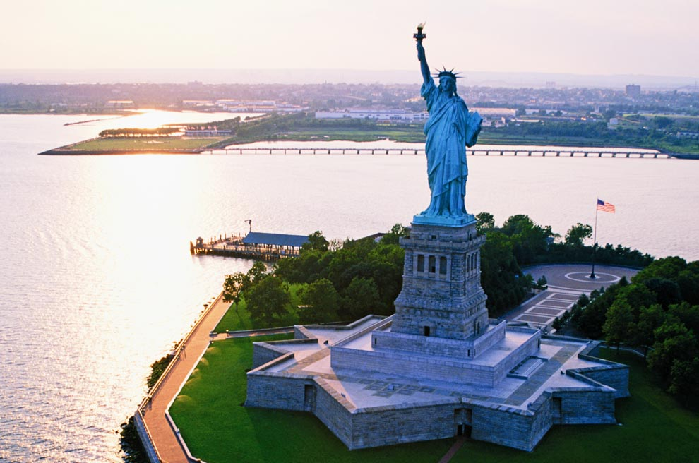 OFF-TOPICC-VIAJAR A_statue-of-liberty_ritz-c-a