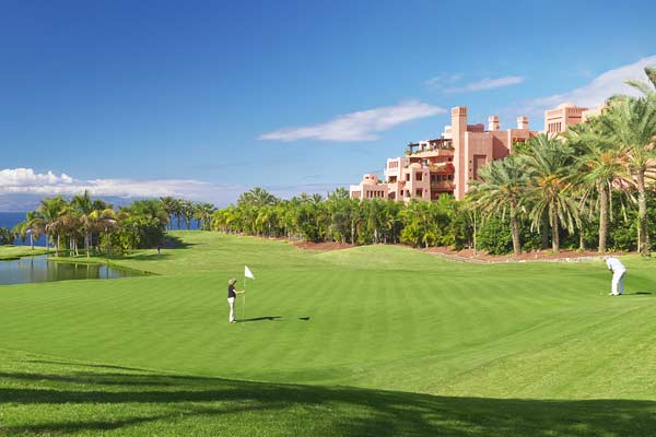 Este invierno, pásatelo jugando al golf en Tenerife