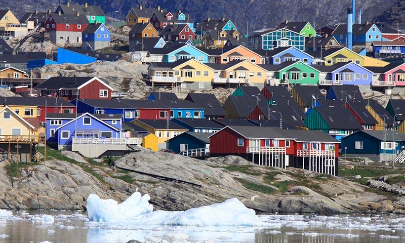 Rumbo a Groenlandia, una tierra blanca y verde