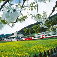 Trenes panorámicos para recorrer Suiza de punta a punta