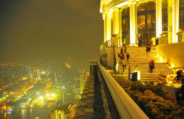 Cenar en los rascacielos de Bangkok y otras experiencias en el sur de Tailandia