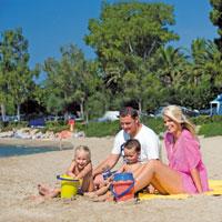 6 claves para disfrutar en familia de la costa del Mistral