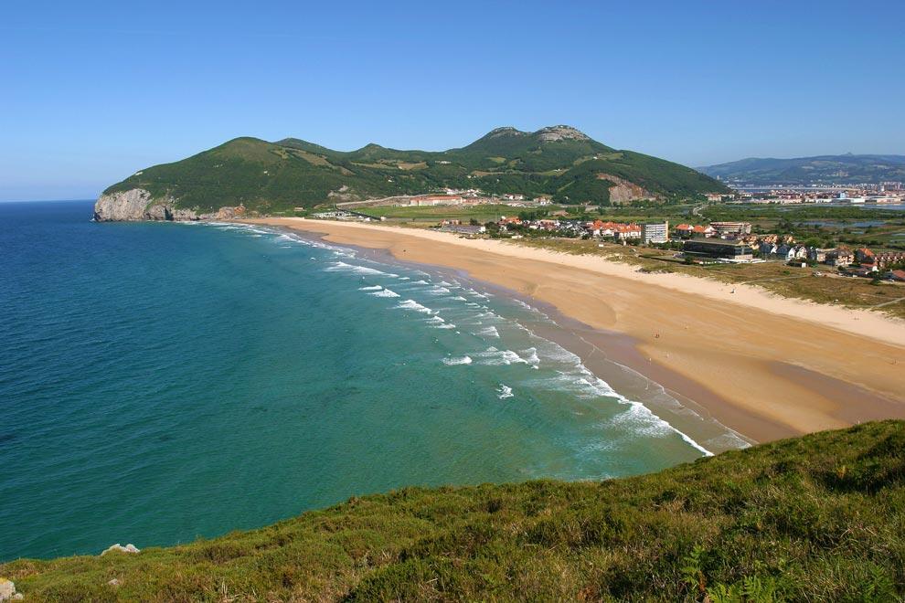 Celebramos el verano con un 'book' de playas de Cantabria donde soñar