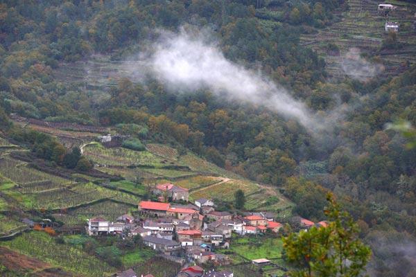 Por los caminos del Ribeiro en Galicia
