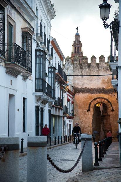 Carmona una joyita con sabor andaluz para este fin de semana for Puerta de sevilla carmona