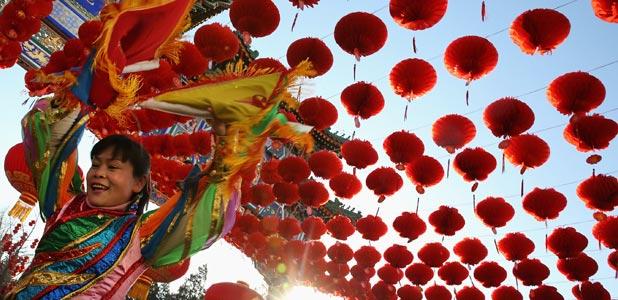 Adiós serpiente, bienvenido caballo, China está de fiesta