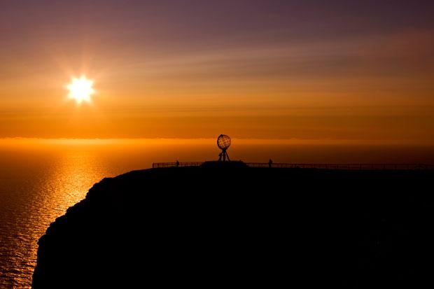 En busca del sol de medianoche en el fin de Europa
