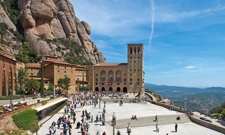 Top 10 de los lugares de mayor inter s tur stico de espa a for Sitios divertidos en madrid