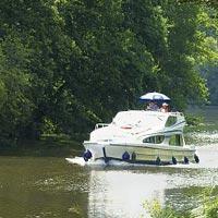 Ni crucero ni roulotte, en una casa flotante por los canales franceses