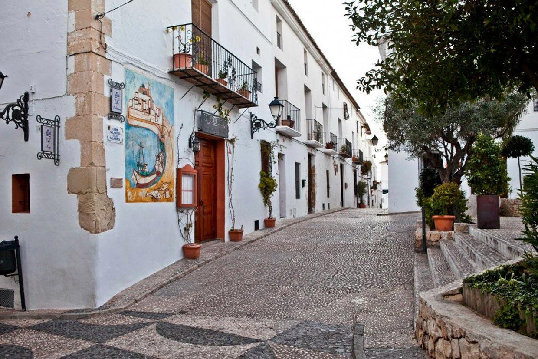 Diez pueblos deliciosos de la costa espa ola - Casas gratis en pueblos de espana ...
