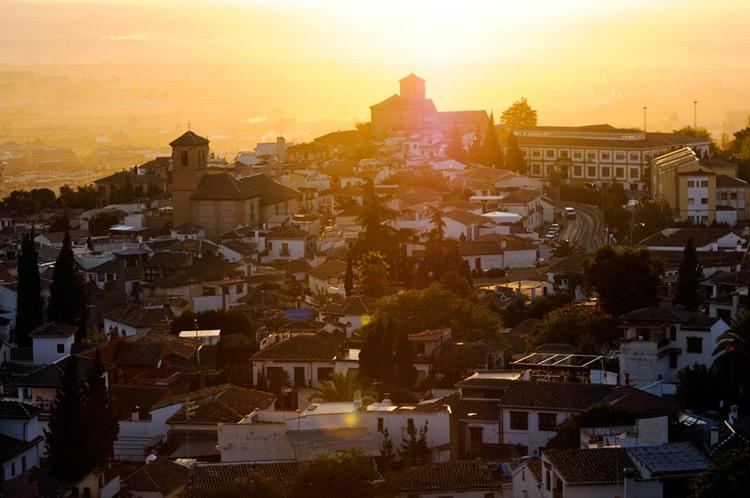 De los Palacios Nazaríes a los miradores del Albaicín, en busca de los tesoros de Granada