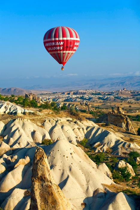 Volar en globo sobre Capadocia al amanecer, para una vez en la vida
