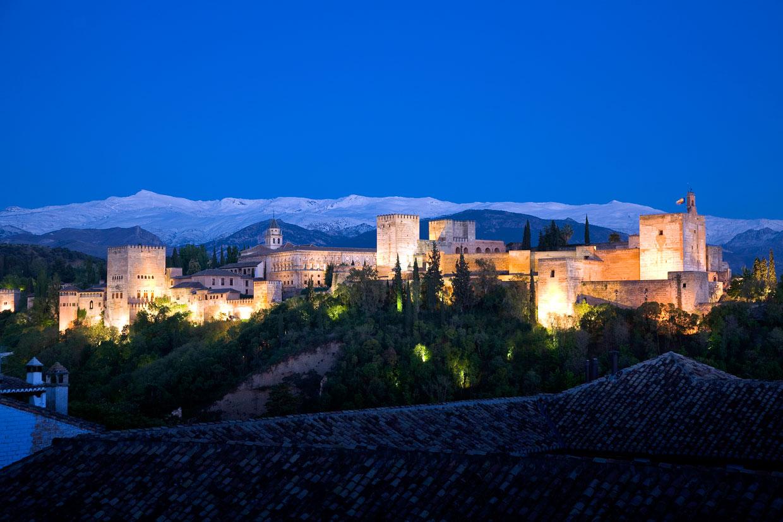 Quince lugares mágicos de España para disfrutar de una o mil noches en 2015