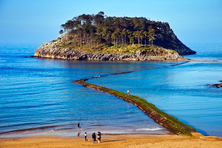 Por la costa vizca na de las ballenas porque ya apetecen for Piscinas naturales pais vasco